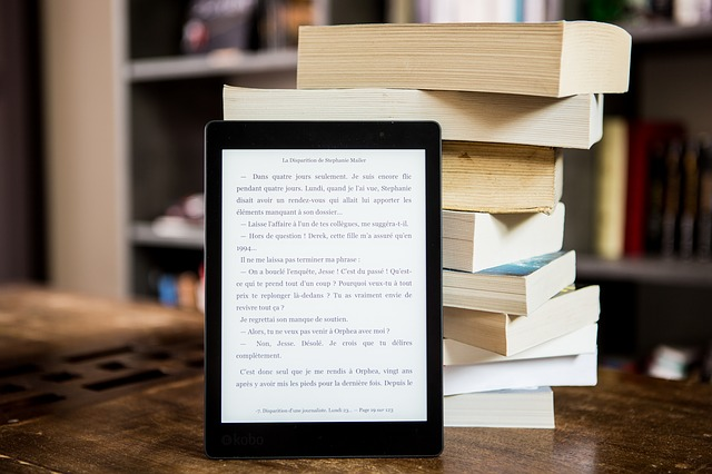 čítačka a knihy.jpg