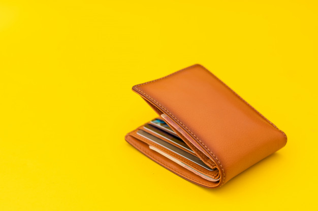 new-leather-brown-men-wallet-yellow_30478-5470